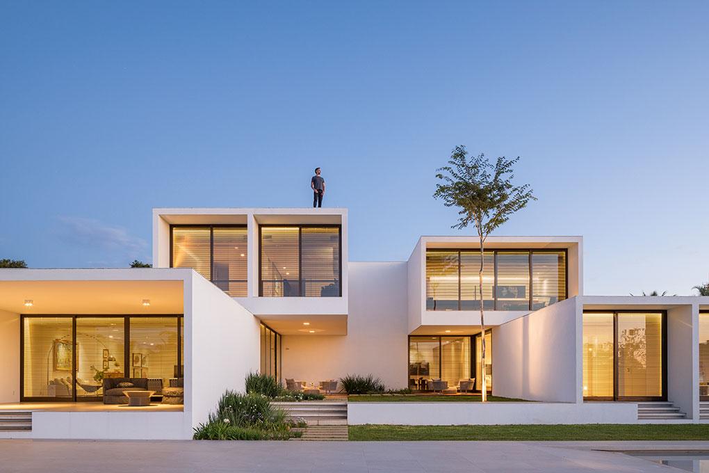 House Of Courtyards Bloco Arquitetos Escrit 243 Rio De
